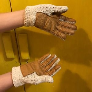 Vintage cream knit driving gloves with leather